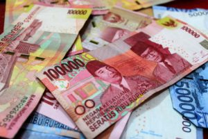 Perilaku Masyarakat Indonesia Terhadap Uang
